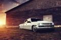 Картинка белый, тюнинг, здание, Chevrolet, пикап