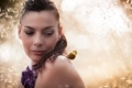 Картинка девушка, свет, бабочка, портрет
