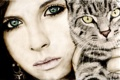 Картинка кот, взгляд, девушка, лицо, ресницы, животное, серьги