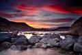 Картинка небо, вода, закат, камни, скалы