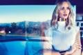 Картинка девушка, модель, знаменитость, смотрит, Rosie Huntington-Whiteley, Рози Хантингтон-Уайтли