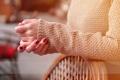 Картинка одежда, маникюр, пальцы, руки, кофта