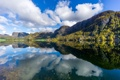 Картинка небо, листья, облака, горы, озеро, отражение, зеркало