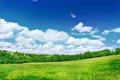 Картинка небо, трава, облака, деревья, холмы, домики