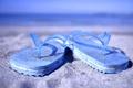Картинка песок, пляж, лето, голубые, шлёпки