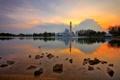 Картинка небо, облака, деревья, озеро, камни, мечеть, минарет
