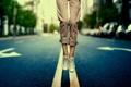 Картинка bokeh, ноги, road, town, боке, разметка, shoes