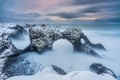 Картинка зима, море, волны, свет, снег, скалы, утро