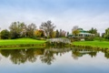 Картинка небо, трава, мост, озеро, отражение, зеркало, гольф лагерь