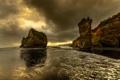 Картинка море, небо, тучи, скалы, берег, вечер