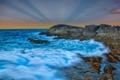Картинка море, волны, небо, облака, лучи, закат, камни