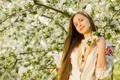 Картинка девушка, настроение, весна, сад, яблони