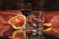 Картинка вино, бокал, шелк, апельсин, отражение, натюрморт