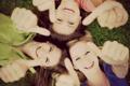 Картинка зелень, трава, радость, счастье, природа, улыбка, девушки