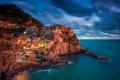 Картинка море, огни, скалы, краски, дома, вечер, Италия