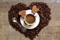 Картинка кофе, зерна, печенье, чашка, сердечки, блюдце, ложки