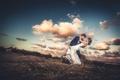 Картинка облака, танец, небо, жених, невеста, поза
