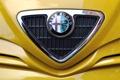Картинка Alfa Romeo, эмблема, Альфа Ромео, жёлтый фон