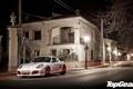 Картинка белый, ночь, улица, дома, Porsche, фонари, Cayman
