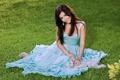 Картинка голубое, платье, брюнетка, щенок, певица, Ани Лорак