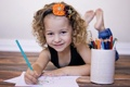 Картинка улыбка, карандаши, девочка
