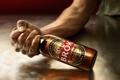 Картинка фон, бутылка, пиво, рука, Brok