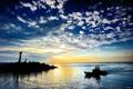 Картинка закат, облака, вышка, катер, вечер, силуэты, море
