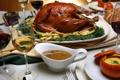 Картинка вино, птица, бокалы, соус, застолье, блюдо, корочка