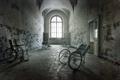 Картинка коляски, двери, коридор