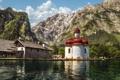 Картинка небо, горы, озеро, дом, люди, церковь, германия