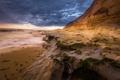 Картинка пляж, небо, водоросли, тучи, океан, скалы, берег