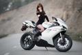 Картинка девушка, мотоцикл, Ducati