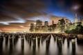 Картинка свет, ночь, город, огни, река, здания, Нью-Йорк