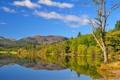 Картинка осень, небо, деревья, горы, озеро, домик