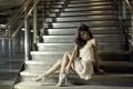 Картинка девушка, ступени, азиатка, Yumi Ling