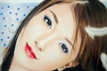 Картинка взгляд, девушка, лицо, ресницы, фон, волосы, макияж