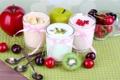 Картинка ложка, банан, вишня, стаканы, яблоко, berries, коктейль