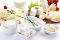 Картинка зелень, сыр, молоко, виноград, орехи