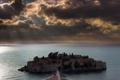 Картинка море, небо, тучи, остров, дома, курорт, Черногория