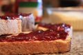 Картинка макро, ягоды, еда, хлеб, бутерброд, вкусно, варенье