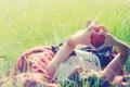 Картинка зелень, трава, девушка, природа, фон, настроения, сердце