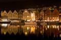 Картинка ночь, огни, река, дома, яхты