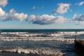 Картинка море, волны, небо, облака, пристань, прибой, панорама