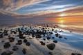 Картинка море, вода, облака, закат, отражение, камни, горизонт