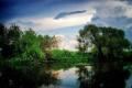 Картинка небо, облака, деревья, озеро, природа .