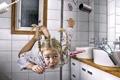 Картинка Девочка, ванная, невесомость