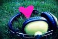 Картинка трава, макро, любовь, музыка, сердце, music, наушники