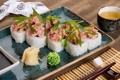 Картинка чай, лук, рис, суши, роллы, васаби, имбирь