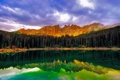 Картинка лес, небо, облака, горы, отражение, озеро