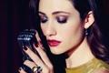 Картинка лицо, ресницы, рука, макияж, помада, кольцо, тени